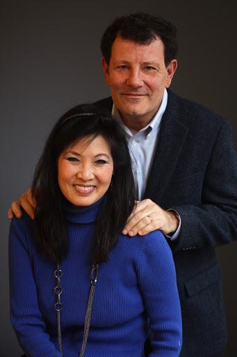Tightrope: Americans Reaching for Hope – Nicholas Kristof & Sheryl Wudunn